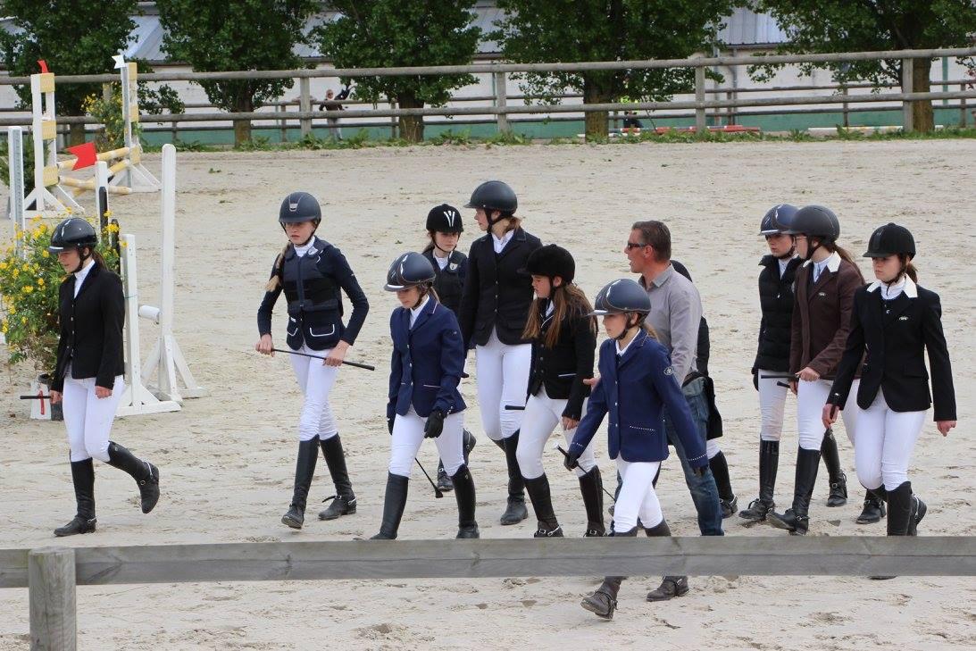 école équitation du Grpos Chêne Bousbecque monitrices